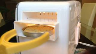 Easy Bake Oven || Yellow Cake With Choco. Frosting (mixes Included)