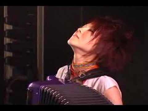 accordion-solo-kanako-kato-chercher-harmonyfieldsmusic