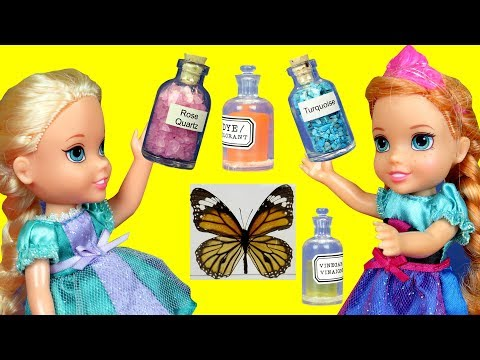 SCIENCE class ! Elsa & Anna toddlers at School lab ! Barbie is the teacher - cool experiments