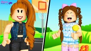 ROBLOX-TEEN vs. CHILD (Battle of Looks)