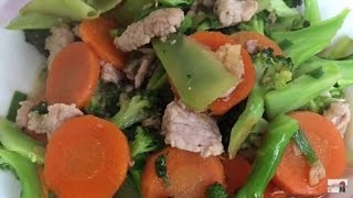 Cooking recipes - Easy food to make at home - Asian food - Stir Fry Broccoli and carrots with pork