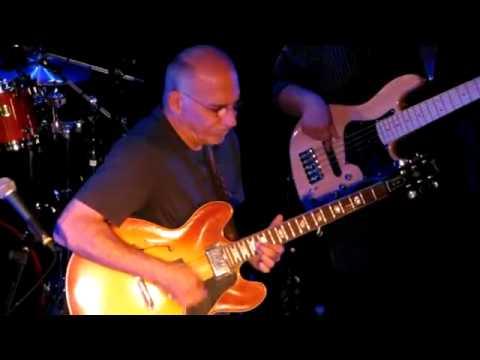 """Larry Carlton Trio - """"That Road"""" - Performance - Spirit of 66 - Belgium"""