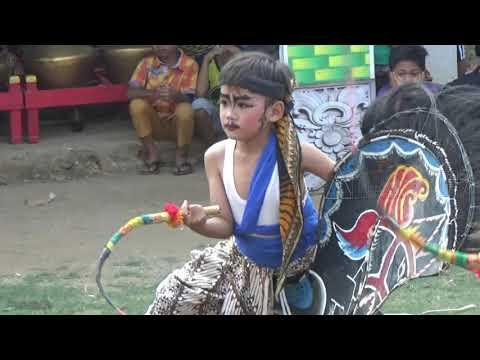 Kesenian Jaranan / Kuda Kepang Eko Doyo,penari Cilik
