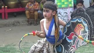 vuclip Kesenian jaranan / Kuda kepang Eko Doyo,penari cilik