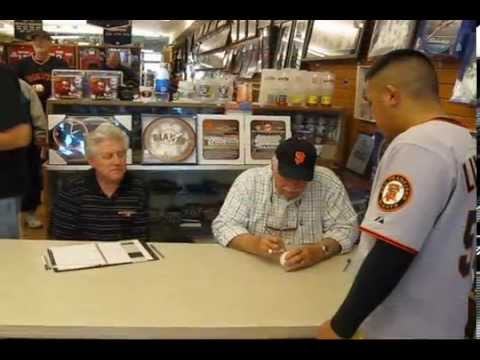 """Gaylord Perry """"1991 Hall of Fame"""" signs autographs!"""