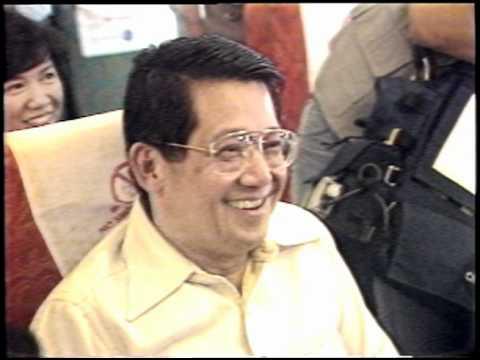 Ninoy returns to Manila