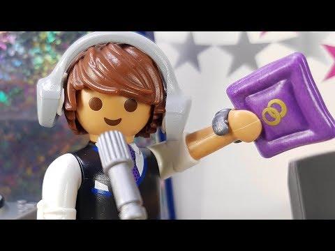 Playmobil Familie gewinnt im Radio Hochzeitsreise nach Las Vegas 💍 Kinderfilm deutsch