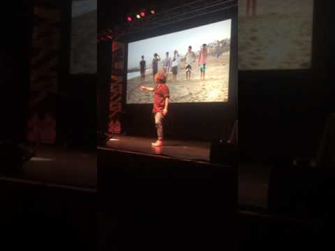 Kian and JC dances O2L theme song (2017)