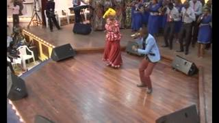 PRAISE MEDLEY Rev. Kathy Kiuna Feat. Jimmy Gait & The Jcc Chior
