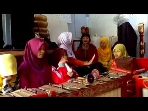Sri Huning ( Belajar Bowo), angkatan II, Sanggar Seni Dwija Laras, SMPN 6 Kota Kediri