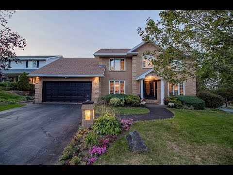 Halifax Real Estate: 1 Thackeray Close, Clayton Park, Nova Scotia