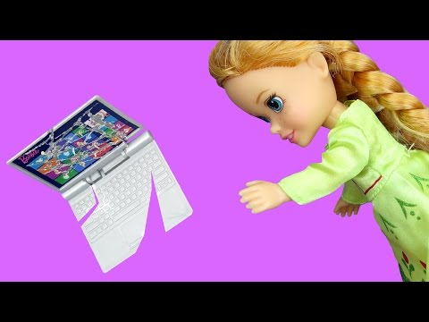 Thumbnail: Anna BREAKS a Laptop ! Elsa & Anna toddlers visit Nikki's house - Accident - TV Watching - Playdate
