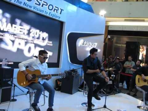 Ada Band - Surga Cinta @ Mitsubishi Pajero Expo Surabaya 30 Januari 2016