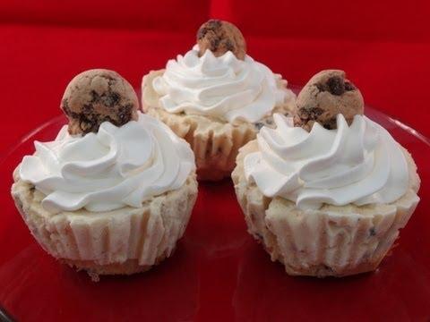 Ice Cream Cupcakes : Using Chocolate Chip Cookie Dough Ice Cream -with yoyomax12