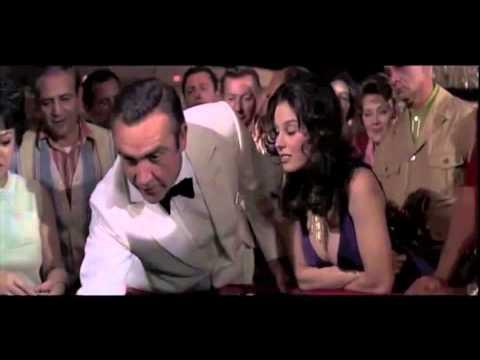 James Bond: Sean Connery VS Roger Moore