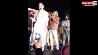 Sunanda sharma fell down on stage during a live performance!