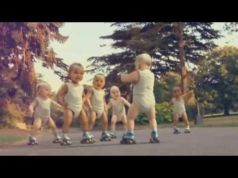 Bebês Dançando Happy Pharrell Williams