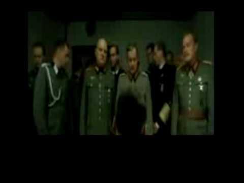 Hitler y Karaoke Pub