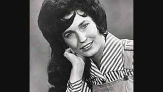 "loretta lynn         ""blue kentucky girl"""