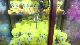 Cromptons Claw Machine in Rhyl Amusement Arcade (Tweetie Pie)