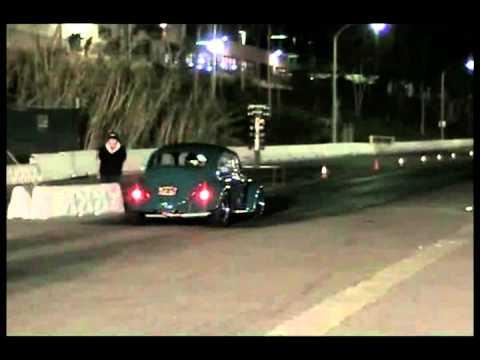 1966 Volkswagen bug and 1973  Volkswagen Karmann Ghia Drag Racing (1)