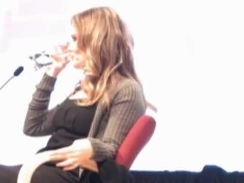 Interview with Jennifer Jason Leigh at the New School 11/3/05