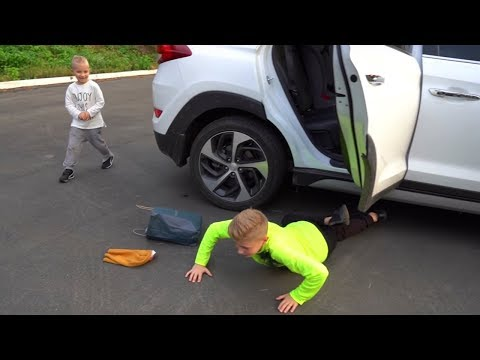 Выпал из машины...Тише смешно. I fell out of the car ... I was almost late ...