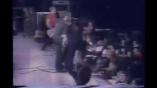 The Clash - Live Torino (Stadio di Atletica, Parco Ruffini. Festa dell'Unità 03.06.1980)