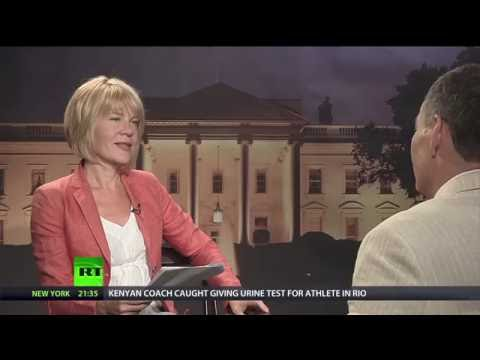 Keiser Report: 'Crexit' & the dark heart of Italy's banking