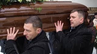 pogrzeb-mirosawa-mularczyka-trumn-wynosz-z-kocioa-pikarze