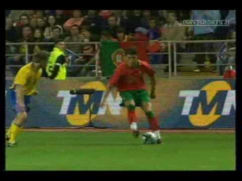 Cristiano Ronaldo vs Ronaldinho ( gaucho) thumbnail