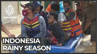 Monsoon Floods Hit Indonesian Capital Forcing 1 300 To Evacuate