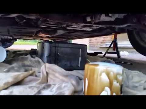 Uk Ford Focus Mk3 1.0 Ecoboost Service - Oil & Oil Filter Change