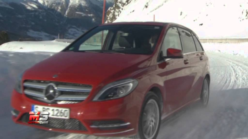 mercedes classe b 220 4matic 2014 snow test youtube. Black Bedroom Furniture Sets. Home Design Ideas