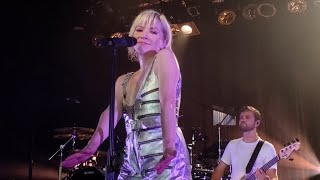 Carly Rae Jepsen - Everything He Needs (The Dedicated Tour, Vancouver)