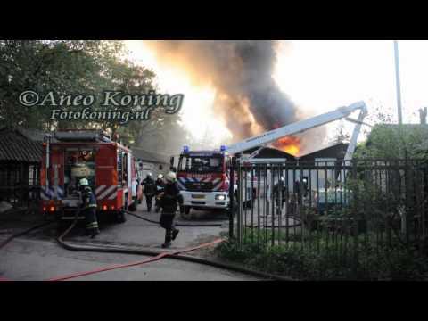 Zeist: Zeer grote brand autowerkplaats Zwitsersekade