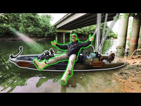Kayak Fishing Under HIGHWAY BRIDGE! (Urban Creek Fishing)