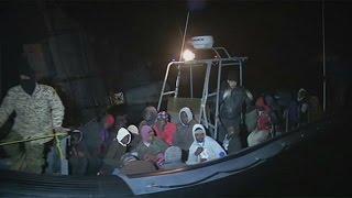 Grupo de 110 migrantes intercetado na Líbia