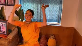 KIRTANIYAS - Radhe Jhulana Padharo (Braj bhajan) - New Braj,...
