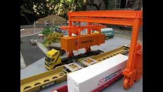 Carregamento de Containers, Maquete- HO, / Loading of Containers-Model Train,
