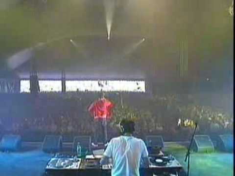 Audio Bullys Live at Pinkpop Festival 2004 MAiNSTAGE Part.6