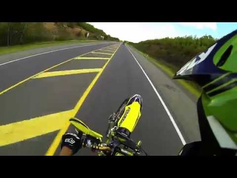 Motocross Biker Escapes Police Doing Wheelies