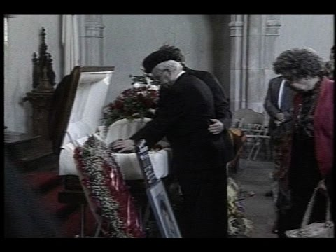 April 11, 1990 - Elton John & Michael Jackson Among Those at Service for Ryan White