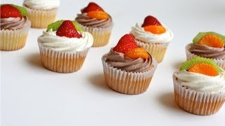 Sponge Cake Cupcakes With Fresh Fruit