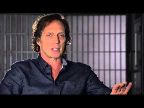 CROSSING LINES 2 - Interview with WILLIAM FICHTNER playing ...