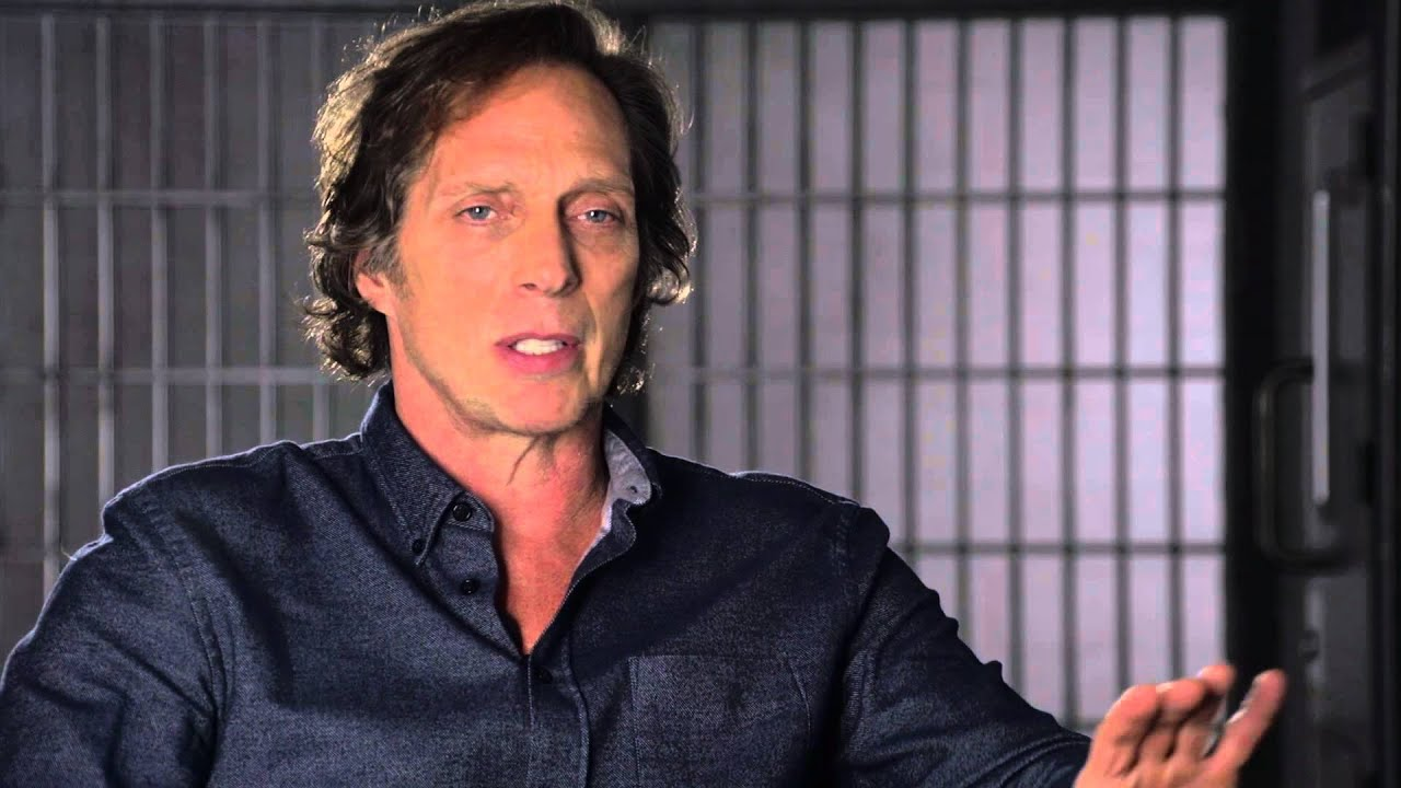 Download CROSSING LINES 2 - Interview with WILLIAM FICHTNER playing CARL HICKMAN