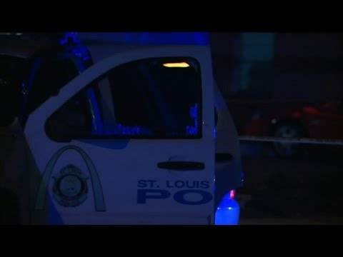 St. Louis police officer shot