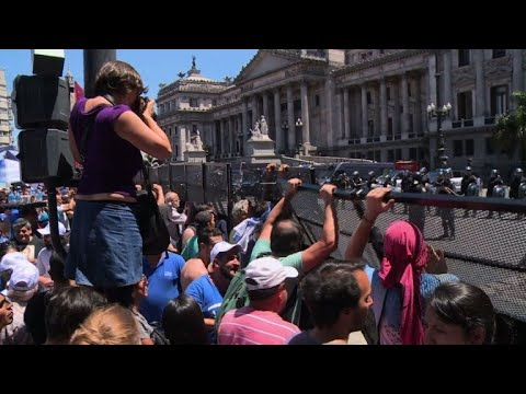 Violence breaks out at protest against Argentina pension reform