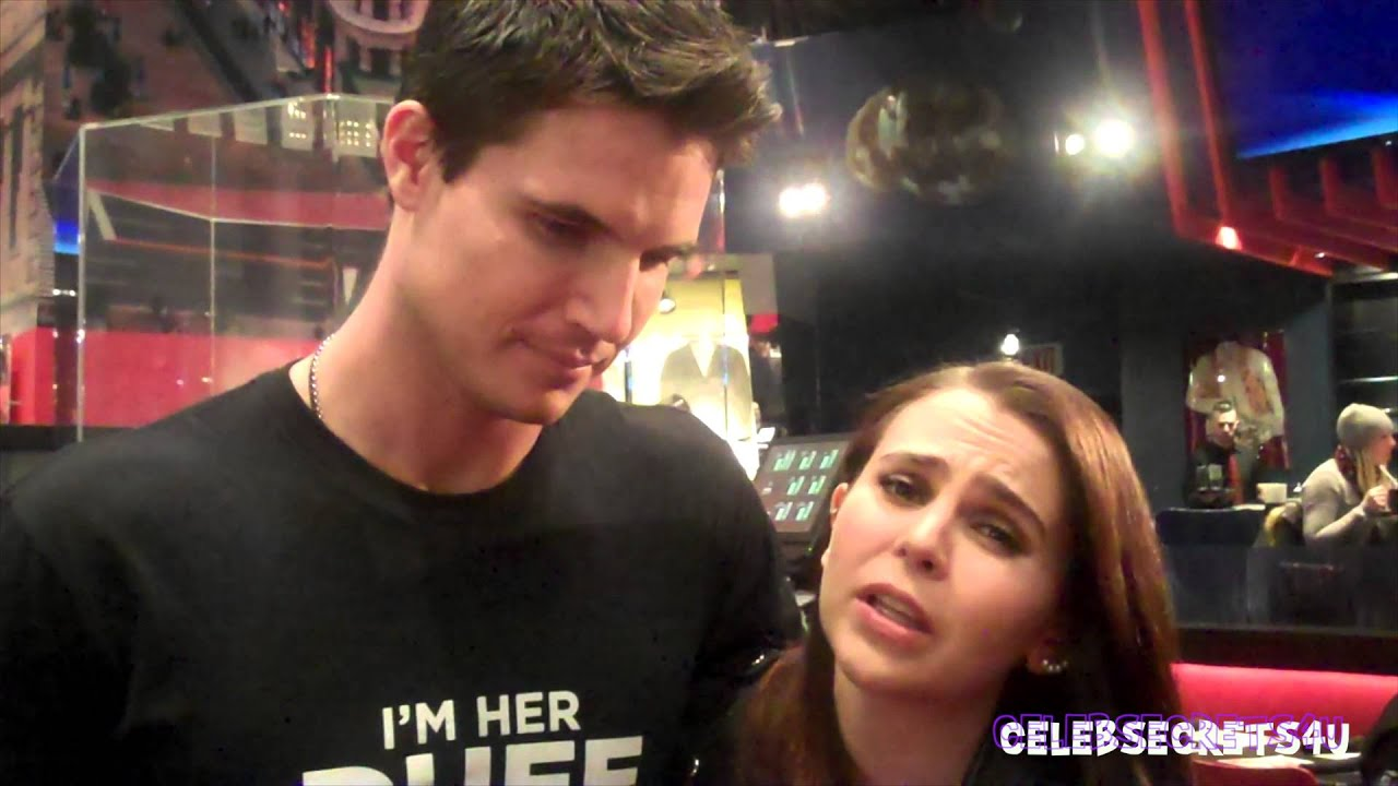 whitman dating They say that a picture is worth a thousand words, but what about an emoji we asked the duff stars mae whitman and robbie amell to describe their new movie using only emojis, and things got emotional fast i'm like, very tense because emojis are very important to me, whitman, who displayed her .