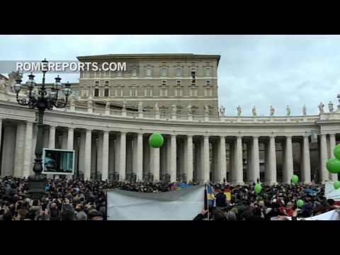 Francisco en el Ángelus: Cada vida es sagrada